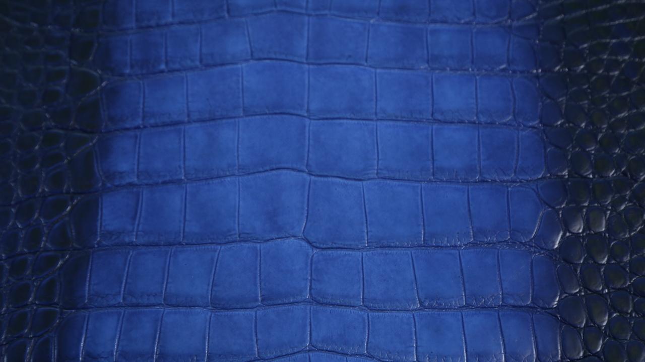 Freshwater Crocodile - Matte Waxy - Electric Blue - Ombré